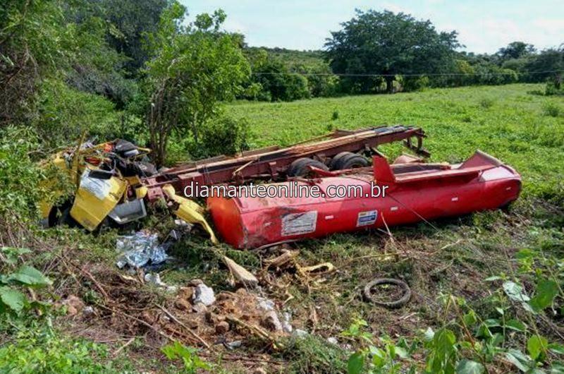 Resultado de imagem para Alex França, mais conhecido por 'Alex veículos', sofreu um acidente automobilístico na noite deste domingo