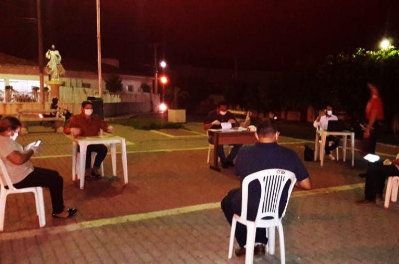 Juiz nega pedido de anulação de sessão que aconteceu no meio da rua, em Ibiara (PB)